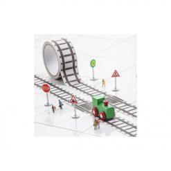 Un petit train en bois et 20 mètres de ruban pour s'amuser !