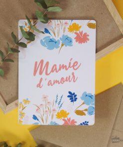 Carte idéale pour écrire un message d'amour à votre mamie d'amour. Enveloppe en kraft incluse.
