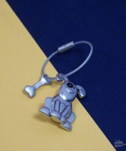 Un joli porte-clés en fonte métallique mat pour accompagner les clés d'un fan de toutous au quotidien !